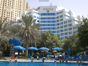 Отель Sheraton Jumeirah Beach Resort. (вид на пляж). Дубай, ОАЭ